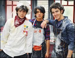 Le plus grand des frères Jonas est Joe.