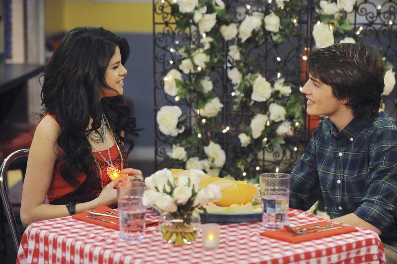 Quand Alex rencontre-t-elle Mason ?