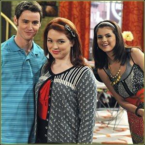 à quel projet s'adonnent tranquillement Zeke et Harper tout en étant amoureux, jusqu'à ce qu' Alex décide que leur relation ne va pas assez vite ?