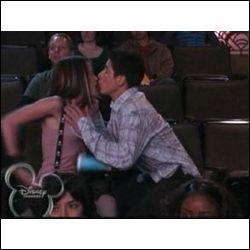 Qui est la première fille à avoir embrassé Justin ?