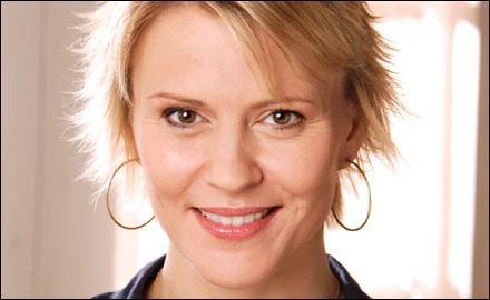 Qui est l'actrice qui joue Elizabeth (Liz) Forbes ?