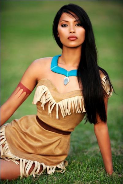 Qui est cette magnifique Indienne ?