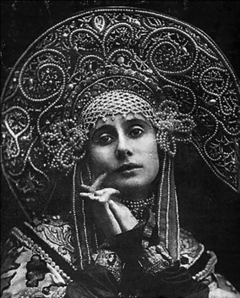 Grande ville d'art, Saint-Pétersbourg a engendré quelques artistes très célèbres dans un genre particulier. Lesquels ?
