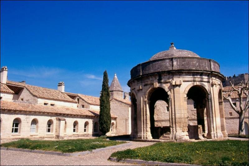 La chartreuse de Villeneuve les Avignon fut fondée par :