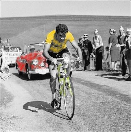 Surprenant vainqueur d'un Tour de France 56 très ouvert, a quelle équipe régionale Roger Walkowiak appartenait-il ?