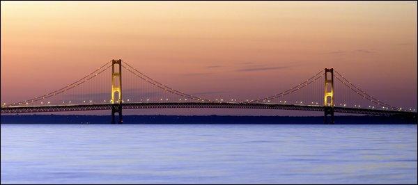Dans quel État américain se trouve le Mackinac Bridge ?