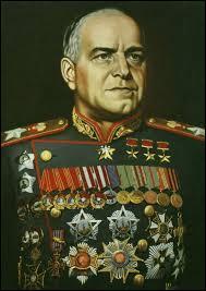 Quel militaire et homme politique soviétique était à la tête de l'Armée rouge sous Stalingrad ?
