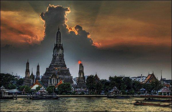 De quel pays Bangkok est-elle la capitale ?