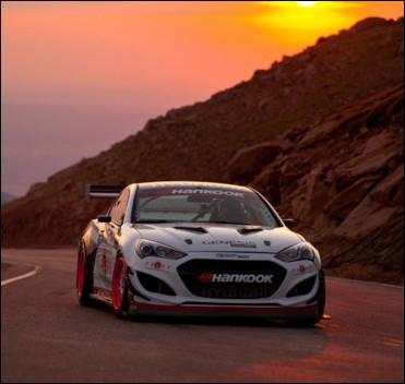 Le record absolu de cette montée est détenu avec un chrono de 9 min 46 s 164, au volant d'une Hyundai Genesis Coupé depuis 2012 par ... .
