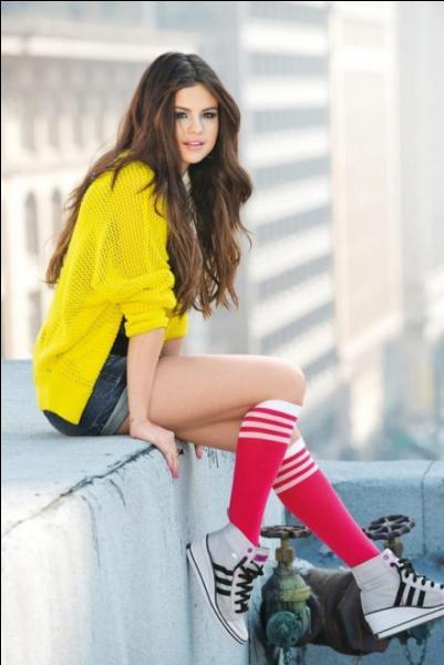 En quelle année Selena est-elle apparue pour la première fois à la télévision ?
