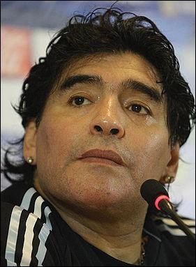 Combien de temps a duré la période professionnelle de Diego Maradona ?