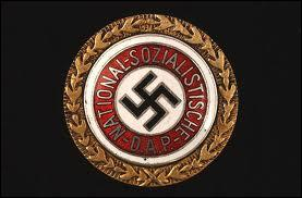 Quel était le sigle officiel du parti nazi d'Hitler ?