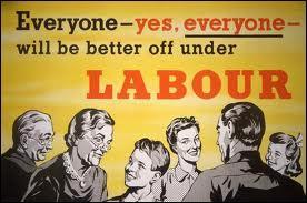 En quelle année le Parti travailliste britannique (Labour Party) devient-il le 2e parti du pays en nombre d'élus et de voix ?