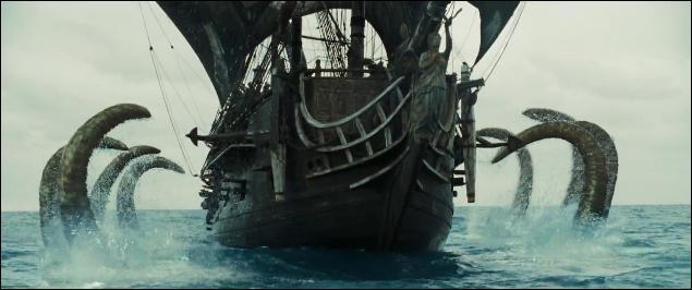 """Près de l'île des Quatre Vents, un duel marîtime s'engage entre le """"Black Pearl"""" et le """"Hollandais Volant"""". À combien de fois le navire de Davy Jones doit s'y reprendre pour venir à bout de Jack Sparrow ?"""