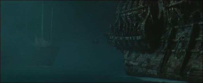 """Lors de l'attaque de la jonque """"Impératrice"""" par le """"Hollandais Volant"""", qui est d'abord enfermée dans les geôles du navire de Davy Jones avec d'autres membres d'équipage avant d'être libérée par James Norrington ?"""