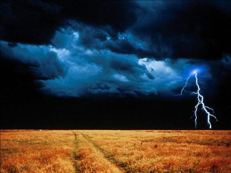 Il y a toujours un orage quelque part sur la Terre :