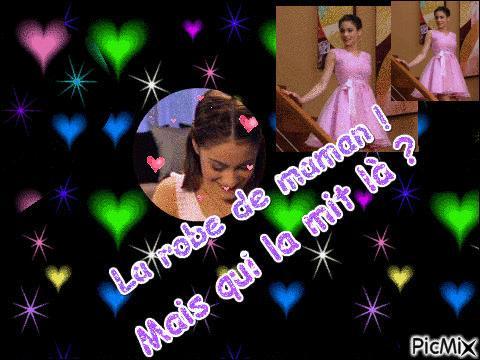 Au début de la saison, qui rapporte les objets appartenant à María dans la chambre de Violetta ?