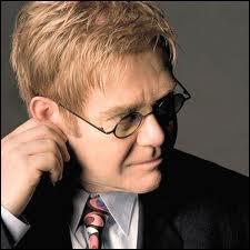 Quelle chanson Elton John a-t-il chantée aux obsèques de Lady Diana ?