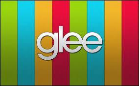 Vrai ou faux : la chanson '' Love You Like A Love Song '' a été reprise par Glee.