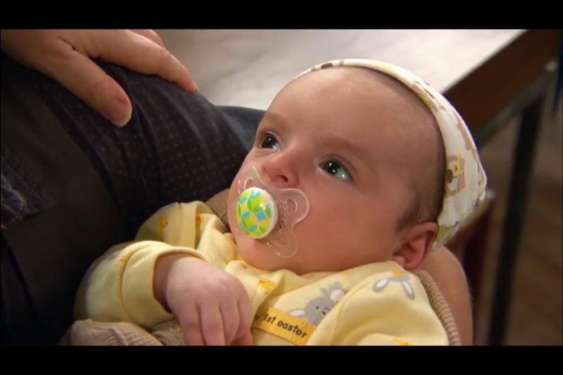 Comment s'appelle le nouveau-né dans  Bonne chance Charlie  ?