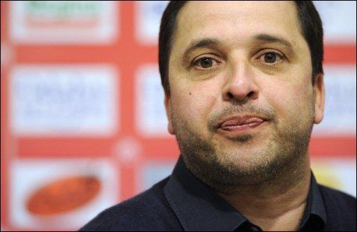 Arrivé en 2002, et alors que l'équipe luttait pour ne pas descendre en National, Pablo Correa va d'abord stabiliser le club en s'appuyant sur le centre de formation. L'équipe retrouve la Ligue 1 à l'issue de la saison...