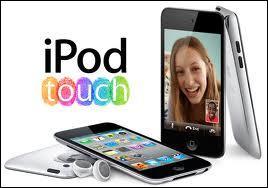 Combien y a-t-il d'application déjà installées lorsqu'on ouvre le Ipod Touch 4 pour la première fois ?