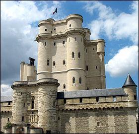 Le duc d'Enghien fut fusillé dans ses douves. En tant que prison, il hébergea d'illustres prisonniers tels Nicolas Fouquet et le cardinal de Retz. Quel est ce célèbre château de l'Ile de France ?