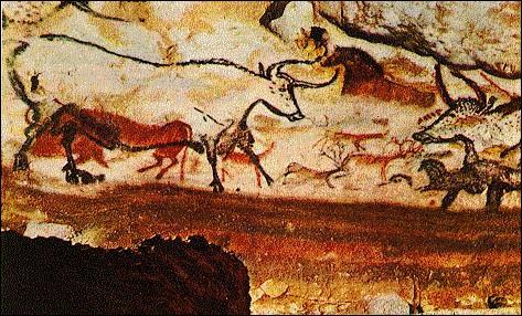 Comment s'appelle cette grotte à peintures de Dordogne, dont on visite un  fac-similé  ?