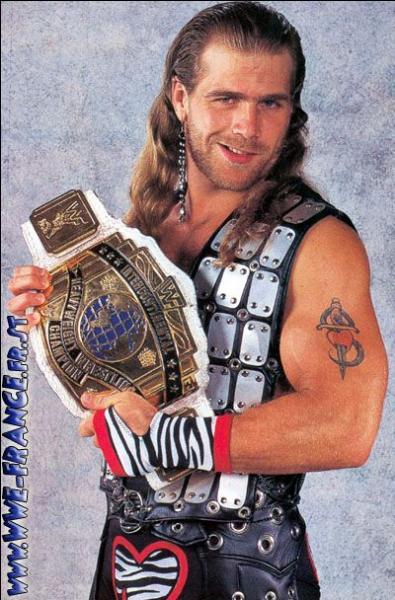 Légende au temple de la renommée de la WWE, 3 fois WWF Champion, 1 fois World Heavyweight Champion et Gagnant du Royal Rumble 95 et 96 , qui est ce lutteur ?