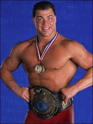 Il est le seul lutteur à avoir gagné une médaille d'or olympique ! Qui est ce lutteur ?