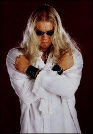 Lutteur d'origine canadienne, 2 fois World Heavyweight Champion et 9 fois Tag Team Champion, qui est ce lutteur ?