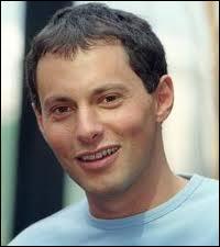 Quelle émission présentait Marc-Olivier Fogiel de 2000 à 2006 ?