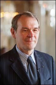 Quel poste occupait Jean-Jacques Aillagon sous la présidence de Jacques Chirac ?