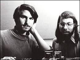 Qui sont les co-fondateurs d'Apple ?