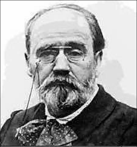 Je suis né à Paris le 2 avril 1840 et décède dans la même ville le 29 septembre 1902. Considéré comme le chef de file du naturalisme, je suis l' un des écrivains les plus populaires. En 1898 je m'exile presque un an à Londres suite à l'article  J'accuse  paru dans  L'Aurore  où je prends fait et cause pour Dreyfus, on me doit des œuvres comme  L'assommoir  ou  Germinal , qui suis-je ?