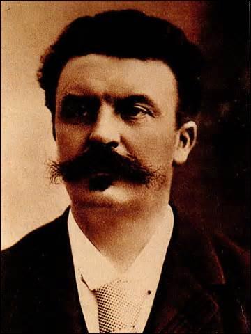 Je suis né le 5 août 1850 au château de Miromesnil à Tourville-sur-Arques (à l'époque Seine-Inférieure)et décède de la folie le 6 juillet 1893 à Paris. On me doit des œuvres comme  Boule de suif  ou  Les Contes de la Bécasse , qui suis-je ?