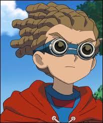 Quelle est la couleur des yeux de Jude Sharp ?