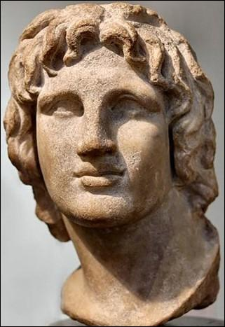 C'est en -331 que commence l'histoire d'Alexandrie... Qui est son illustre fondateur ?