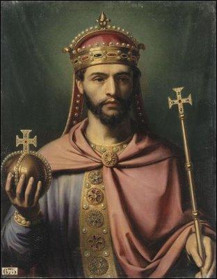 Louis Ier le Pieux devient empereur d'Occident à la mort de son père, en 814. Mais qui est son illustre géniteur ?