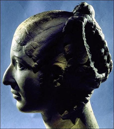 Cl op tre 3 une reine de 18 ans 51 48 quiz qcm - Les bain de cleopatre ...