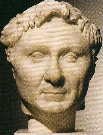 Le 28 septembre -48, alors que les armées de Cléopâtre et celles de son frère-époux sont sur le point de combattre, Pompée, que l'on n'attendait pas du tout, débarque sur les côtes égyptiennes. Pourquoi ?