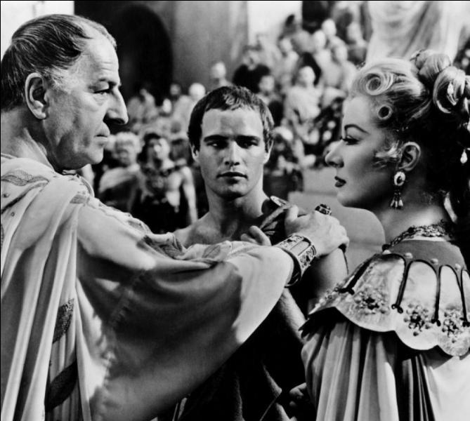 Que sait-on de César vis-à-vis des femmes ?