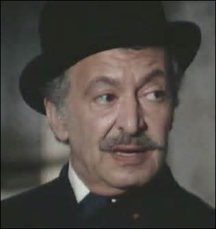De la saison 1 à la saison 4, quel acteur interprète le rôle du patron (Claude Faivre) des brigades mobiles ?
