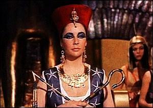 Quels sont les territoires dont la souveraineté est déléguée par Antoine à Cléopâtre (et à ses fils de façon nominative) au cours d'une cérémonie officielle ?