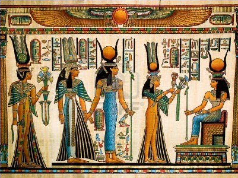 De quelle déesse égyptienne Cléopâtre dit-elle être la réincarnation ? A quelle autre déesse grecque se serait-elle comparée ? Et quels seraient les dieux auxquels Marc-Antoine aurait été assimilé ?