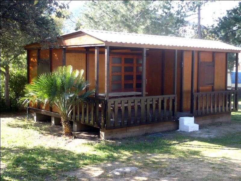 De quel bungalow fait partie Michael Yew ?