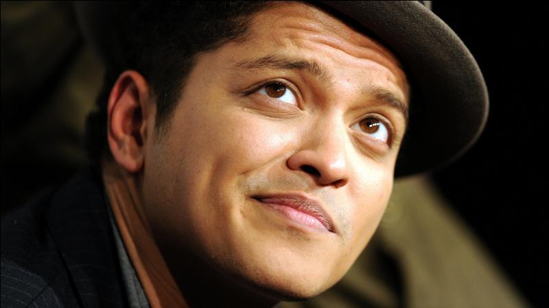 Qui est la petite amie de Bruno Mars ?