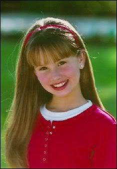 Quelle est cet petite qui maintenant joue dans une série Disney Channel ?