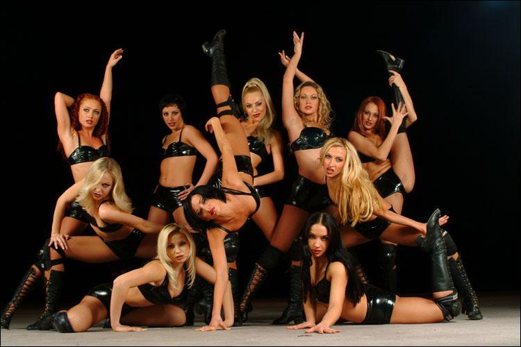 """Bien évidemment, vous vous souvenez des """"Divas du dancing"""", mais vous souvenez-vous du nom de l'interprète ?"""