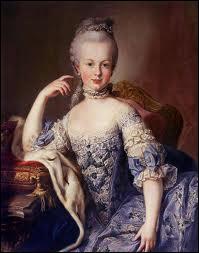 Une des plus célèbres personnes guillotinées pendant la Révolution est Marie-Antoinette. Quelle était sa nationalité ?